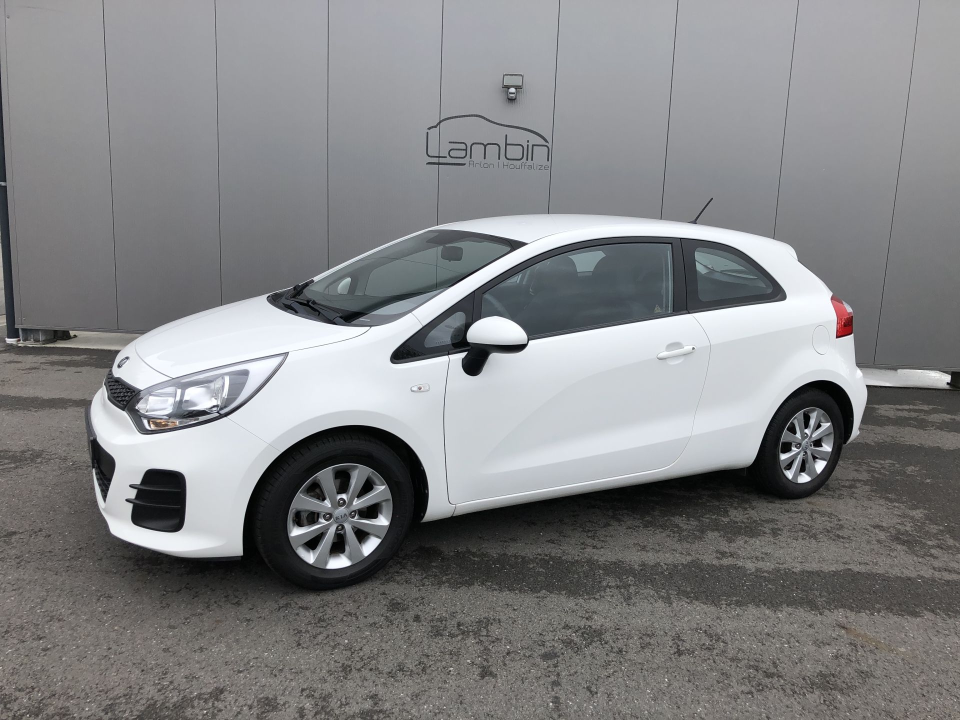 KIA RIO occasion ATTRACT | 2015 | 3 portes Garage Lambin Houffalize